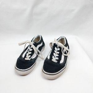 Vans Black & White Low Old Skool Kids Sneakers 1